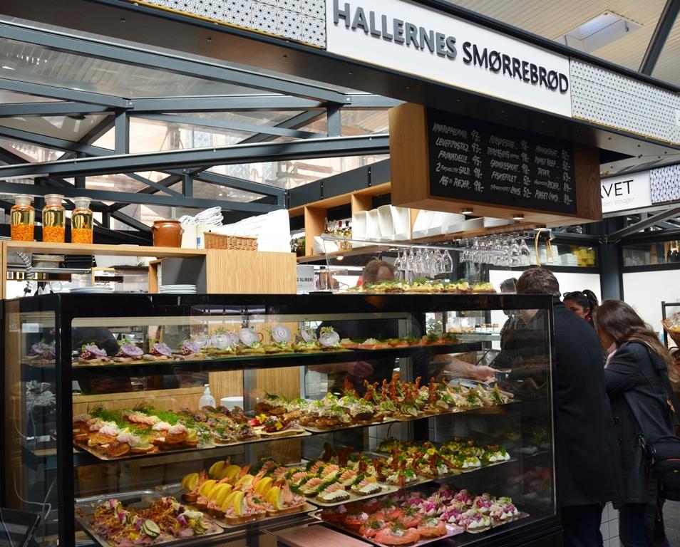 Smorrebrod in de foodhallen van Kopenhagen