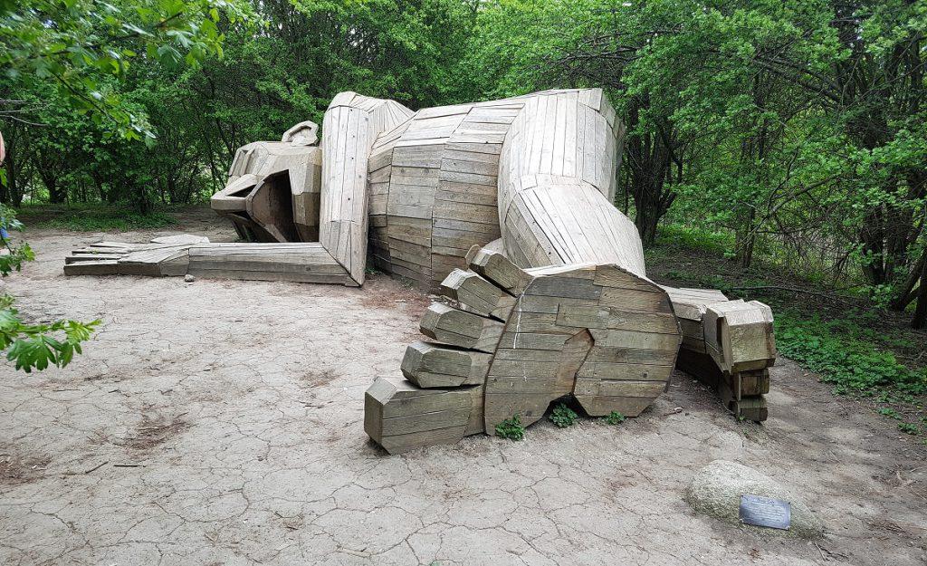 houten reuzen bij kopenhagen slapende louis